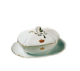 <p>Replica<br />Porcelain<br />Last quarter of the 19th century</p>