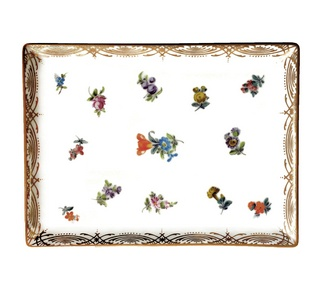 <p>Replica<br />Porcelain<br />19th century</p>