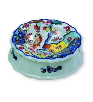 <p>Replica<br />Porcelain<br /><em>Qing</em> dynasty,<em> Qianlong</em> period<br />2nd half of the 18th century </p>