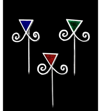 <p>Adaptation<br />Silver and enamel</p>