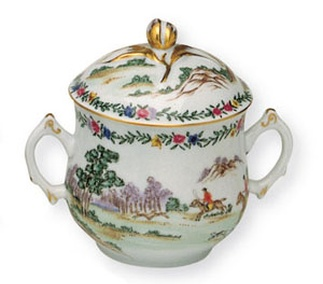 <p>Replica<br /> Porcelain<br /> <em>Qing</em> dynasty, <em>Qianlong</em> period, 18th century</p>