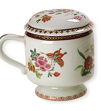 <p>Replica<br /> Porcelain<br /> <em>Qing</em> dynasty, <em>Qianlong</em> period (1736-1795) </p>